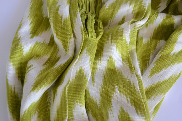 _0000_Ikat Rounded Scarf Lime Prymal zoom2