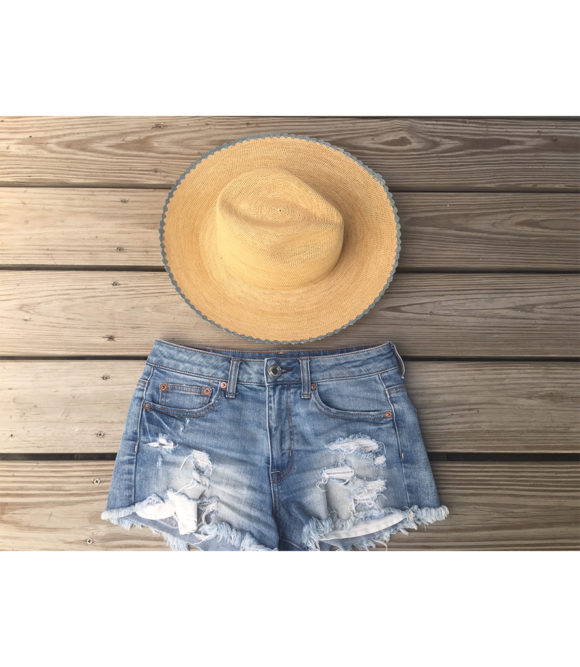 Scalloped straw hat blue
